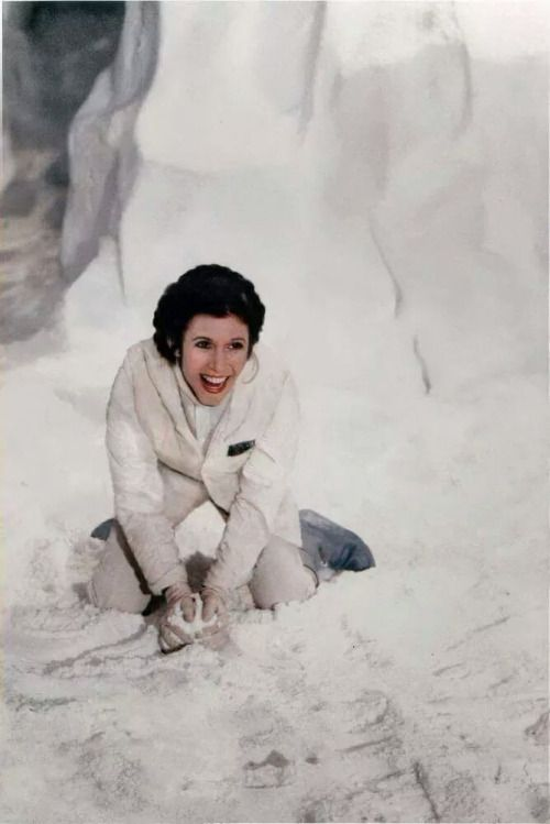 leia-in-the-snow